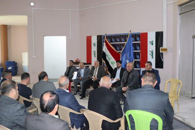 عضو مجلس المفوضين القاضي علي رشيد يزور مكتب نينوى الانتخابي