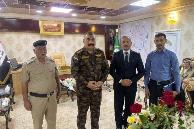 ادارة مكتب ذي قار الانتخابي تزور قيادة عمليات سومر في المحافظة